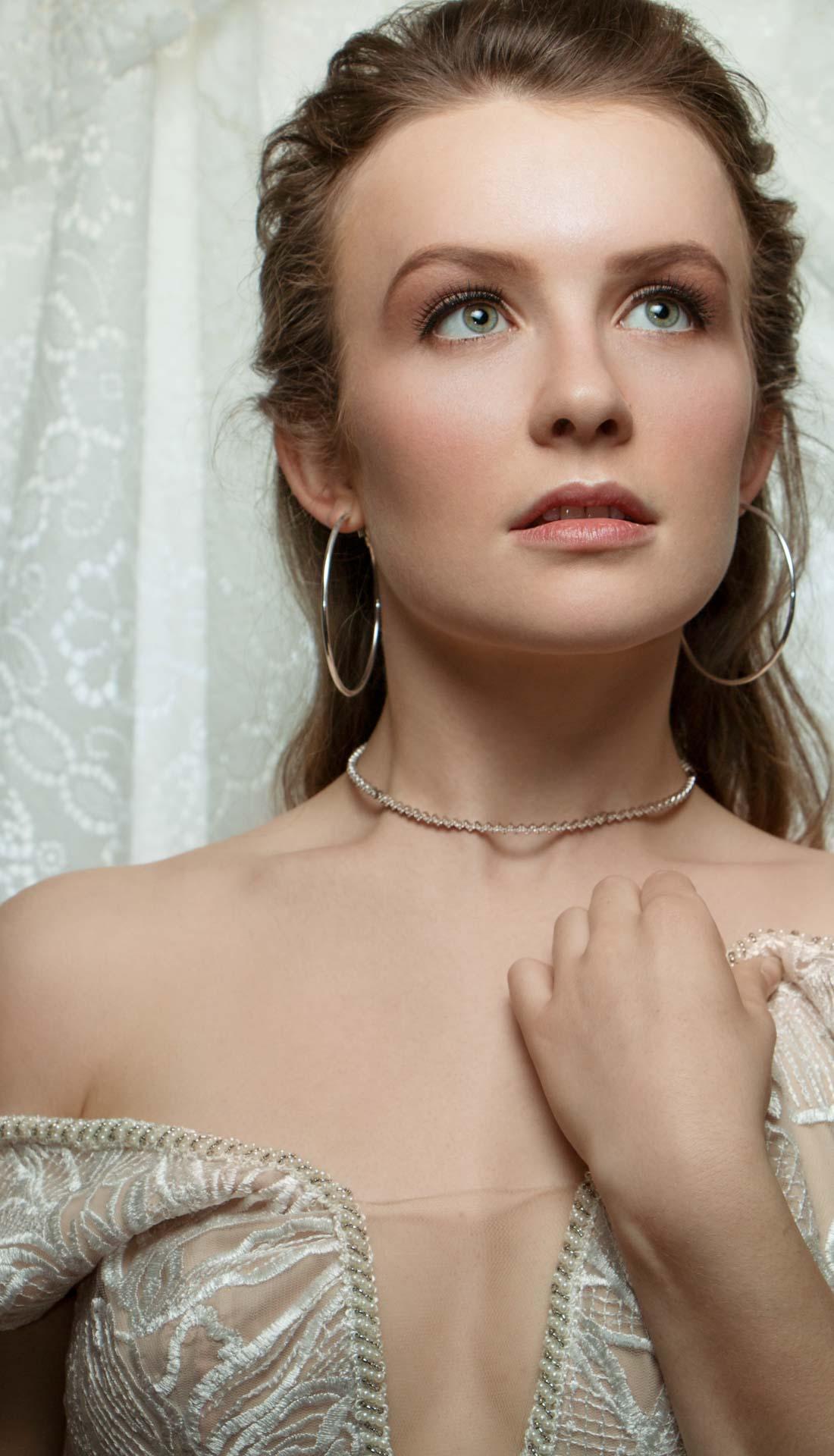 Bridal fashion accessories, beauty photography, jewellery photography, wedding jewellery, commercial photographer Birmingham