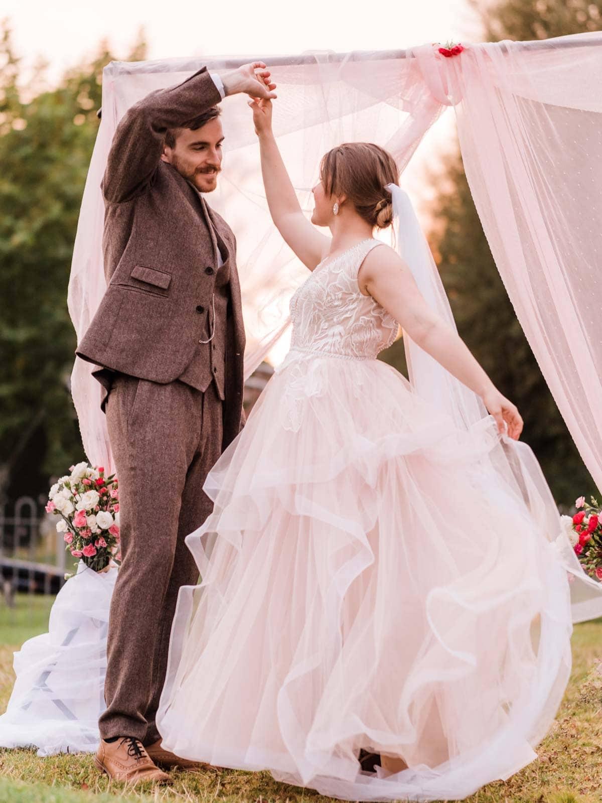 Outdoor wedding photoshoot, bride and groom first dance, Birmingham Wedding photographer