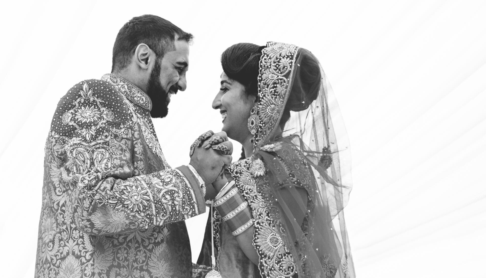 Asian wedding photography Birmingham, Sikh wedding photography Birmingham area. Bride and groom, first dance