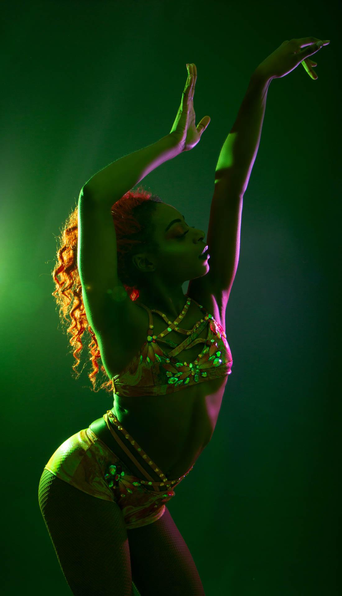 Studio dance portfolio, circus performer portfolio, dance photography uk, dance photoshoot birmingham, dance photographer Birmingham West Midlands Staffordshire