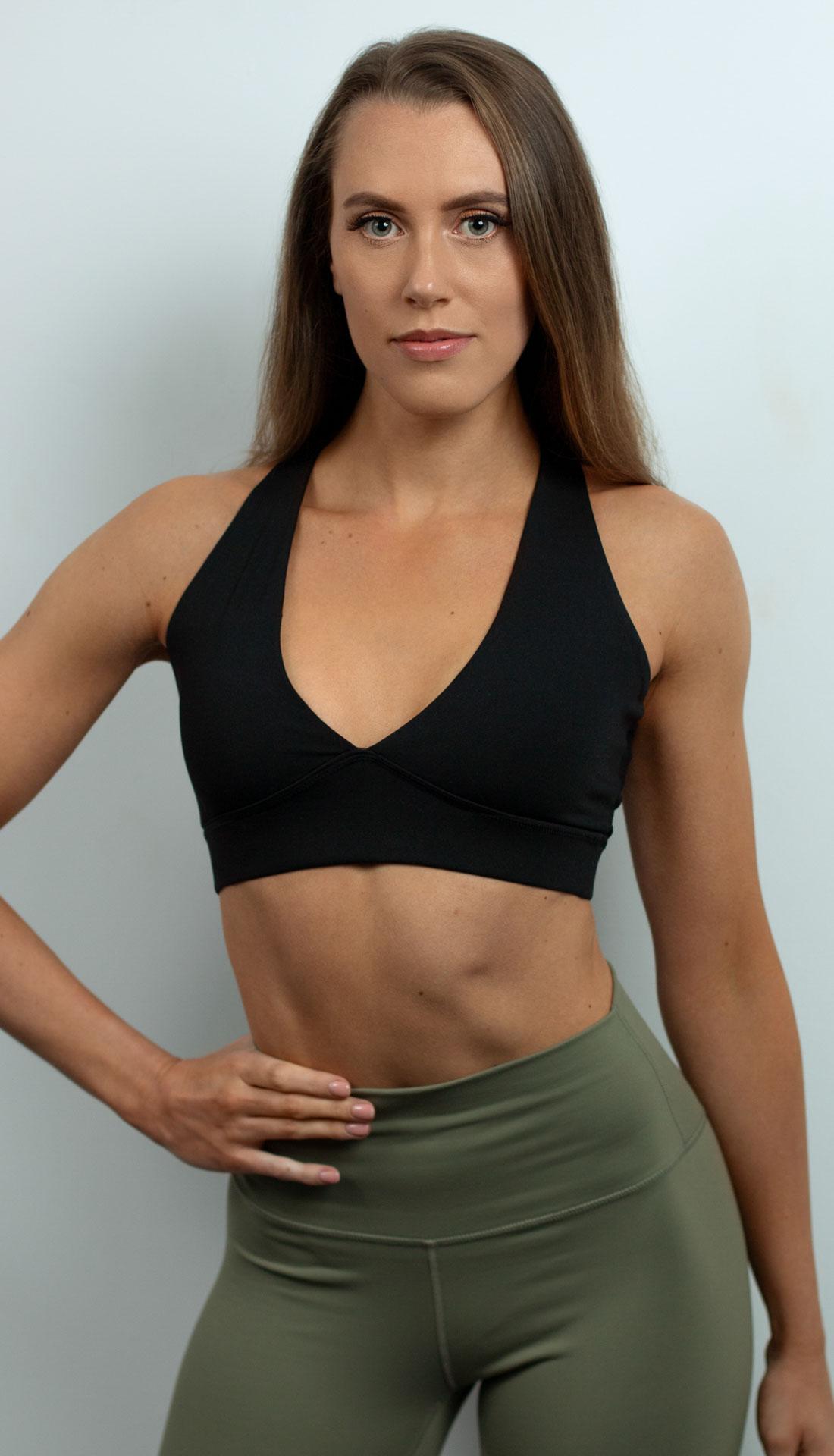 Headshot portrait of a freelance personal trainer Hannah Greatrex. Studio fitness headshots in Birmingham city centre