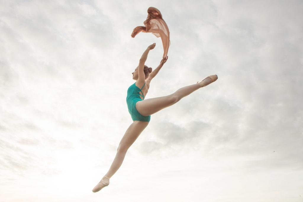 ballet dance photoshoot on the beach, ballet poses and ideas - Anastasia Jobson dance photographer Birmingham u.k.