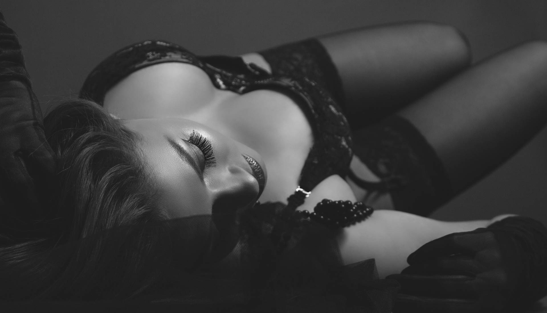 Birmingham boudoir and lingerie photography by Anastasia Jobson