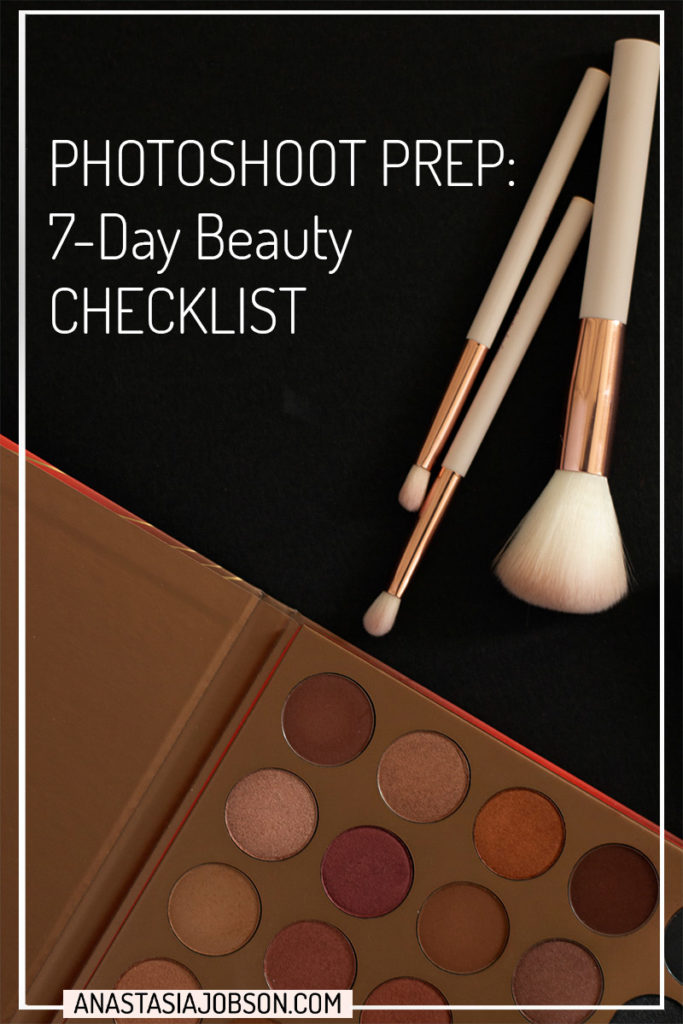 Makeup flatlay: makeup brushes and bronze colour eyeshadow pallet